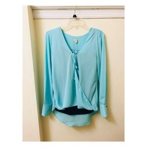 Lily White Tops - 🌿 {5 for $25} Lily White Twisted Drawstring Top
